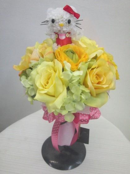 キティーちゃんのアートフラワー花束のイメージ