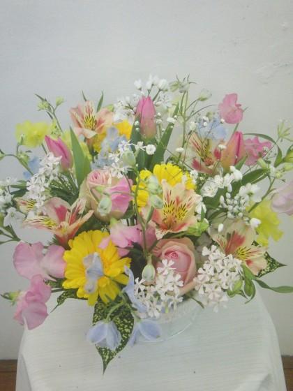 春色アレンジメント(ピンク・黄色系)のイメージ