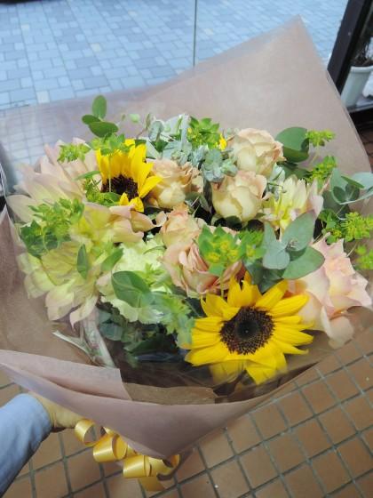 大人っぽい黄色系花束のイメージ