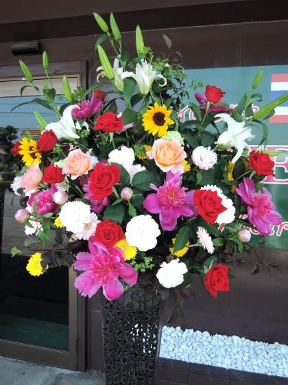 お祝いスタンド花(スリム型スタンド台)のイメージ