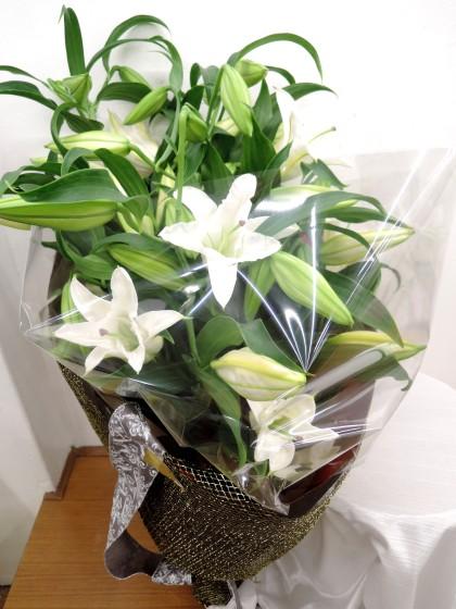 カサブランカの花束のイメージ