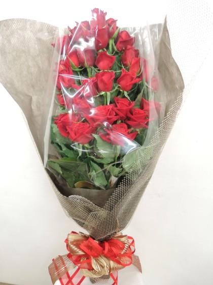 赤バラのパラレル花束(スペシャルラッピング)のイメージ
